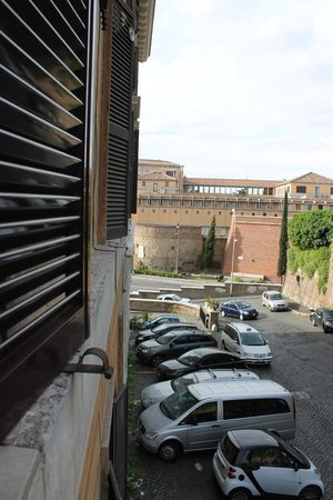 Al Colonnato di San Pietro Bed and Breakfast: View from our room looking left.