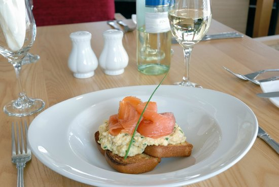 Best Western The Dartmouth Hotel Golf & Spa: Smoked Salmon