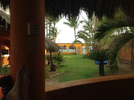 Bungalows Unelma : View from porch toward beach