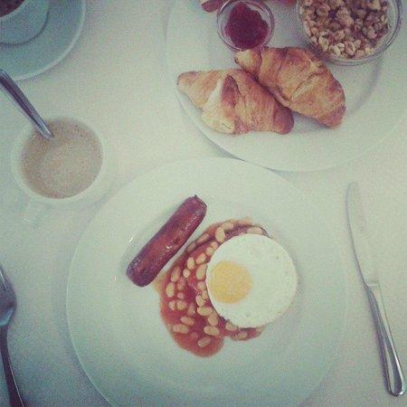 Invisa Hotel Ereso : Breakfast time!