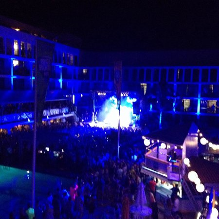 Ibiza Rocks Hotel: Example gig stage view studio