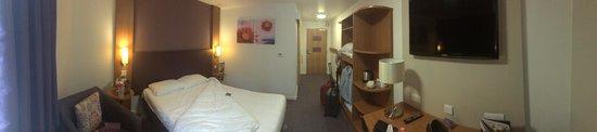 Premier Inn Llandudno North (Little Orme) Hotel: Room entrance