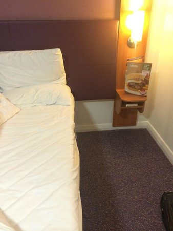 Premier Inn Llandudno North (Little Orme) Hotel: Extra space in the accessible room on the ground floor.
