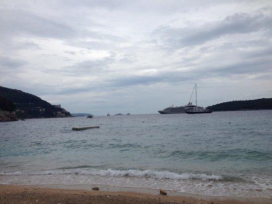 Banje Beach: View