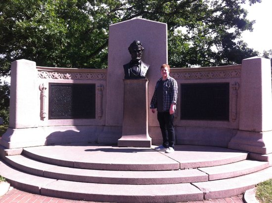 Gettysburg National Cemetery: The Lincoln Address Memorial