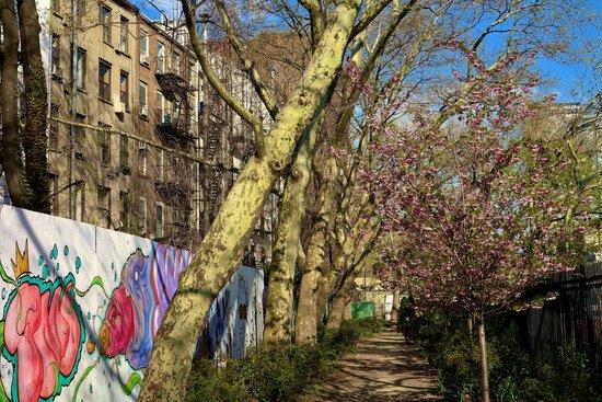 CityRover Walks NY : Hidden treasures in the East Village