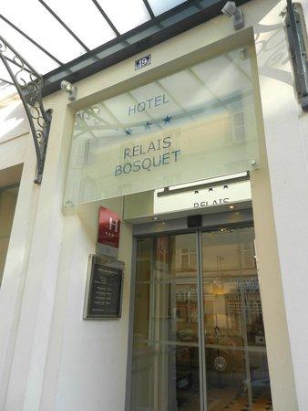 Hotel Relais Bosquet Paris: Hotel Entrance