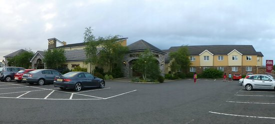 A Panoramic of the Corrs Corner Hotel.