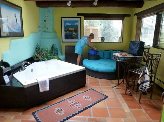 Hacienda del Sol : Lounge with jacuzzi