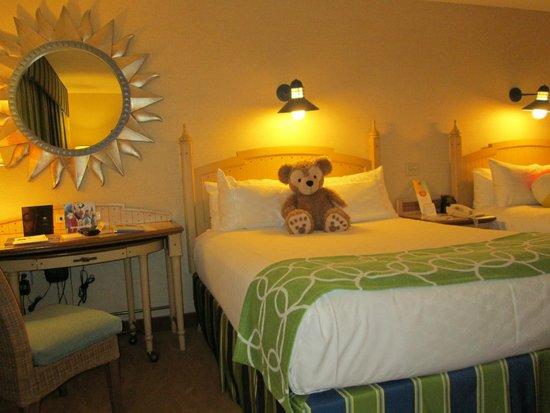 Disney's Paradise Pier Hotel: Bed in room