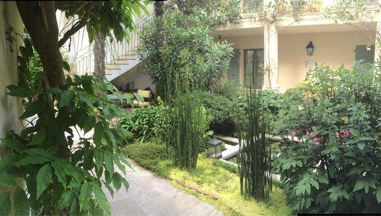 Hotel de Toiras : Le patio