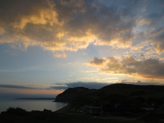 Golden Cap Holiday Park: Sunset at Seatown