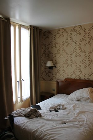 Hotel du Theatre: The other part of the room