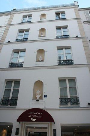 Hotel du Theatre: Outside