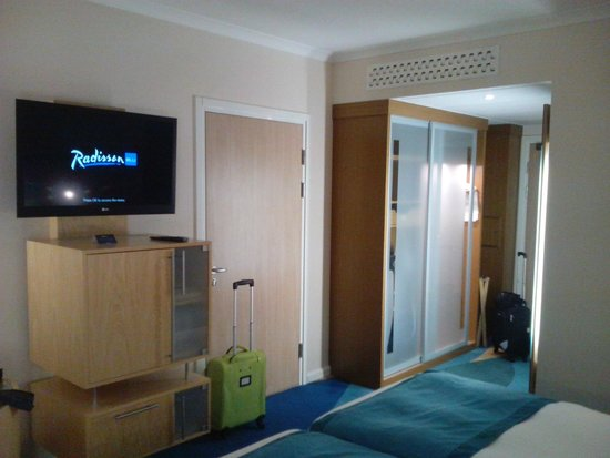 Radisson Blu Hotel London Stansted Airport : Entrada habitacion