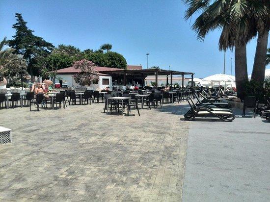 Hotel Roc Golf Trinidad: Terraza principal