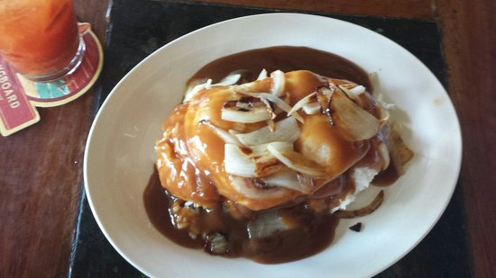 Beach Bums Bar & Grill : Loco moco with spam!