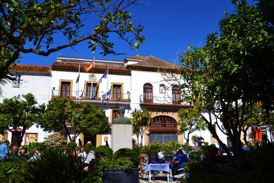 Casco antiguo de Marbella: Old Town Marbella Square and Cafes