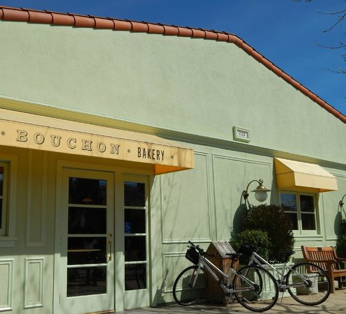 Bouchon Bakery: Great little afternoon bike stop...