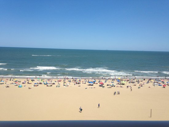 Hampton Inn Virginia Beach-Oceanfront South : View from 8th floor balcony