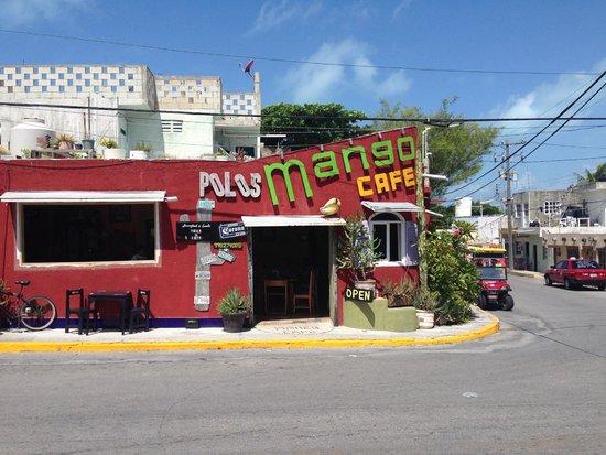 Mango Cafe: Outside of restaurant