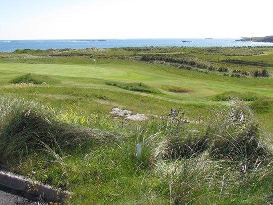 Connemara Championship Golf Links: 18 green
