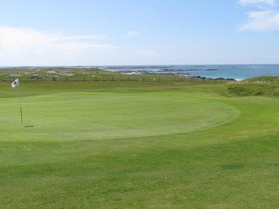 Connemara Championship Golf Links: beautiful seaside links