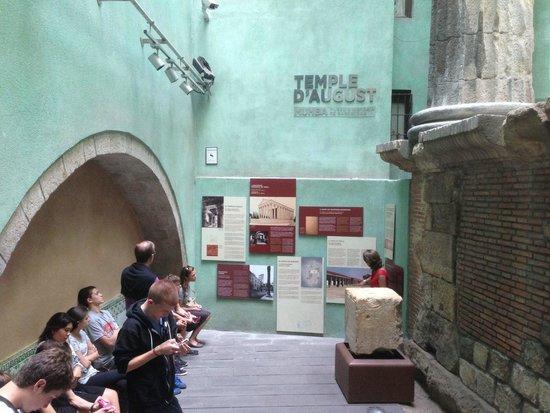 MUHBA Temple d'August: Roman Ruins