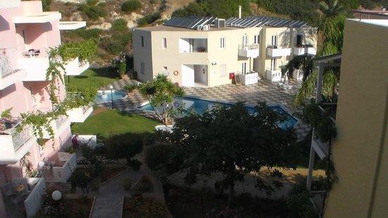 Bellos Hotel Apartments : main pool
