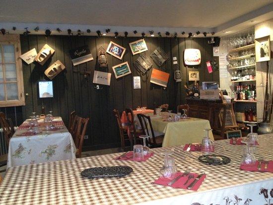 Le Tout du Cru : Restaurant (Inside)