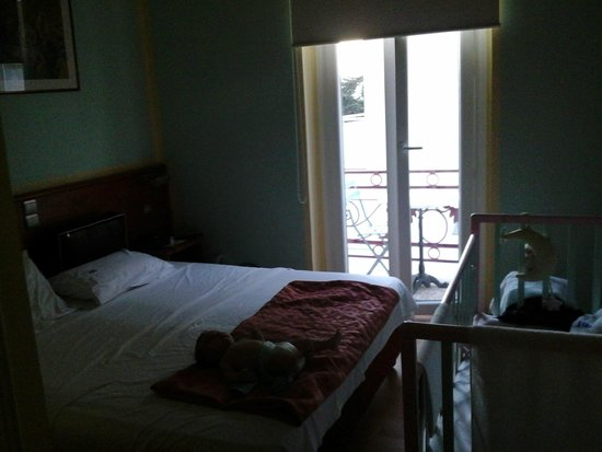 Hotel Diethnes: double room