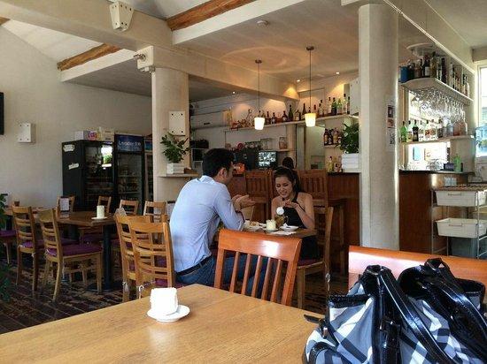 Vineyard Cafe: Cafe Interior
