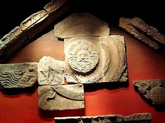 The Roman Baths: plaques at museum