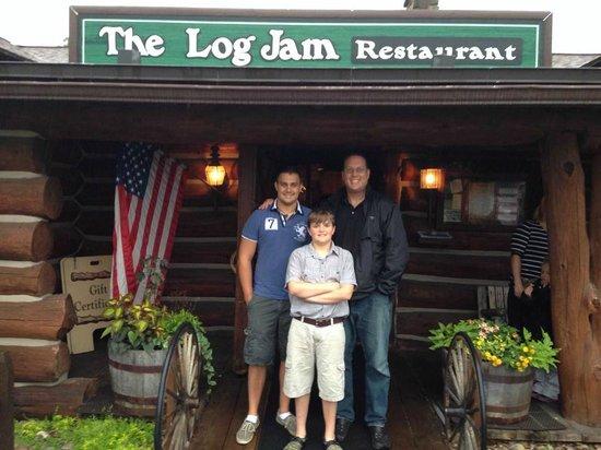 Log Jam Restaurant : Entrance