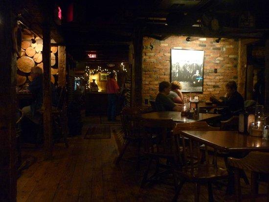 Log Jam Restaurant : Interior
