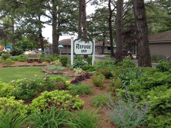 Refuge Inn: front