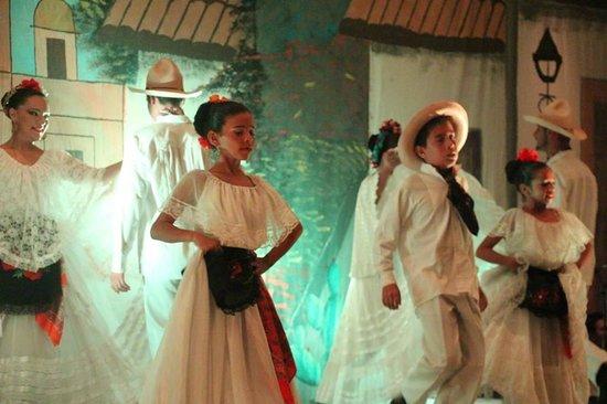 Mexican Fiestas at Velas Vallarta : Bailable