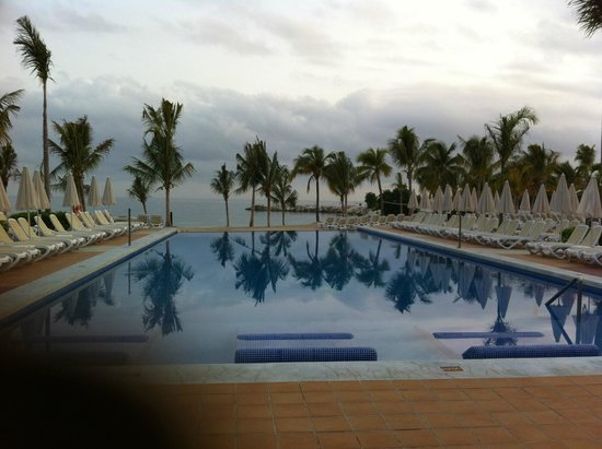 Hotel Riu Palace Jamaica : Tranquil Infinity pool