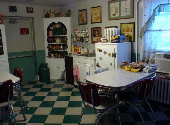 A Sentimental Journey Bed and Breakfast: A kitchen like Grandma's! Help yourself!