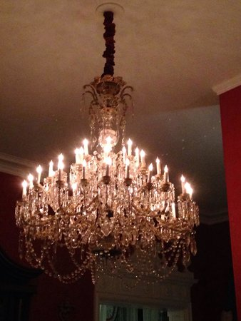The Greenbrier: Chandelier from Gone With The Wind