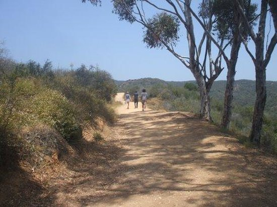 Will Rogers State Historic Park : trail