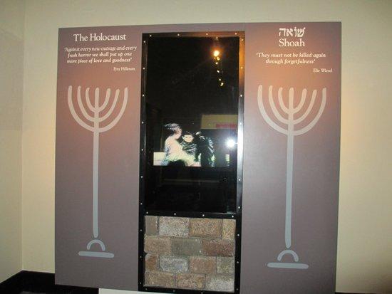 Musée du mémorial de guerre d'Auckland : Holocaust Exhibit