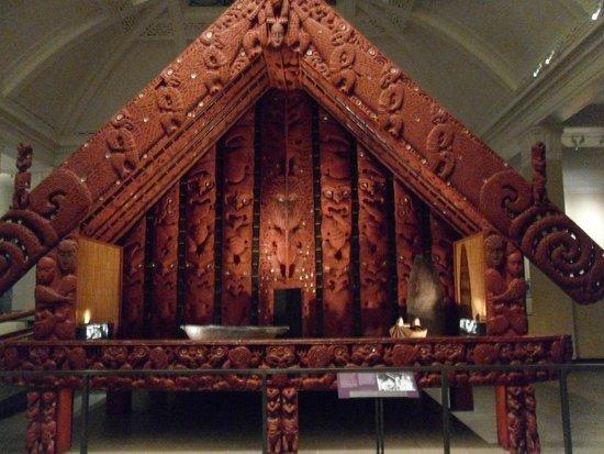 Musée du mémorial de guerre d'Auckland : Tribal Chiefs Storage House