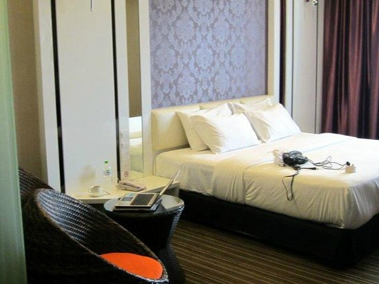 The Sterling Boutique Hotel Melaka: Room was sparsely furnished.