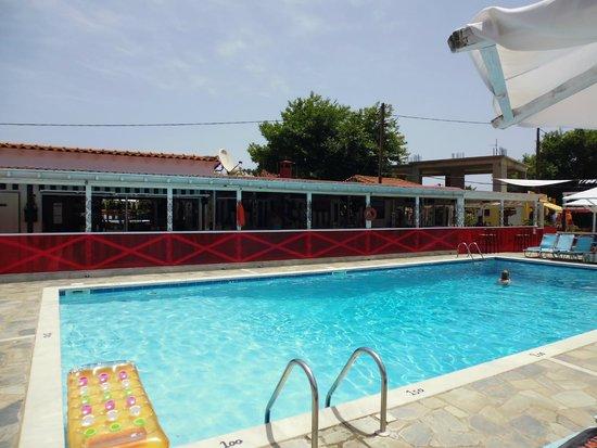 Roulla Apartments Pool Bar