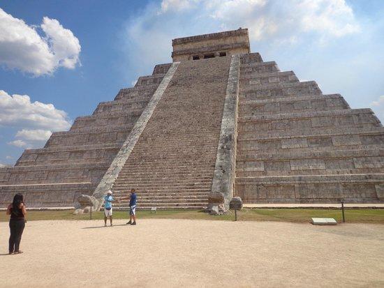 Chichén Itzá : pirâmide Kukulkan