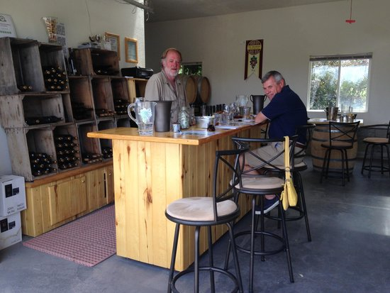 Hermosa Vineyards : Most photographed outhouse