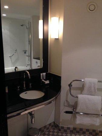 Malmaison Birmingham: Bathroom 303