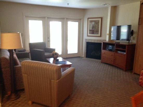 WorldMark Grand Lake : looking at the living room from the kitchen