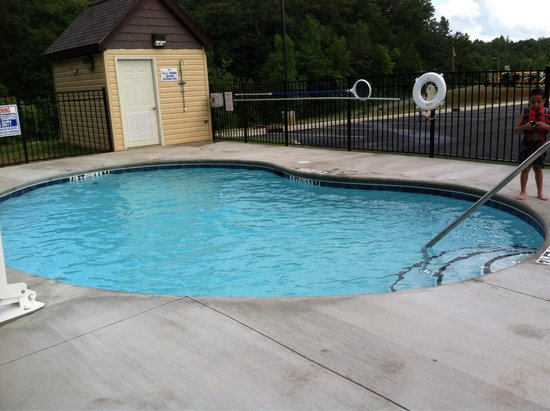 Microtel Inn & Suites by Wyndham Sylva Dillsboro Area : The pool is open. The depth starts at 3.5 and ends at 4.5. There is an outdoor shower available
